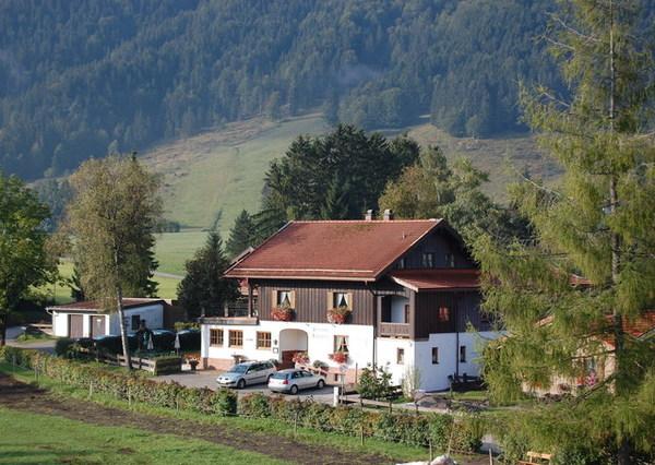 alpenregion tegernsee schliersee urlaub gasthaus pension aiplspitz in bayrischzell. Black Bedroom Furniture Sets. Home Design Ideas