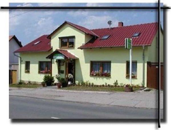 pension haus germania in erfurt. Black Bedroom Furniture Sets. Home Design Ideas